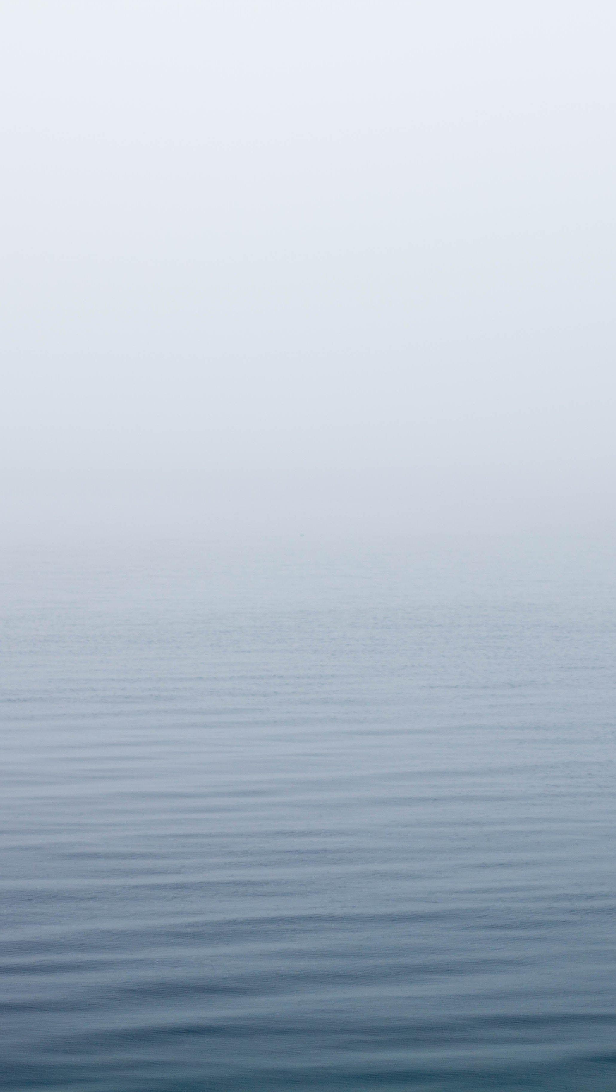 Wallpaper Ocean Under Fog Vertical
