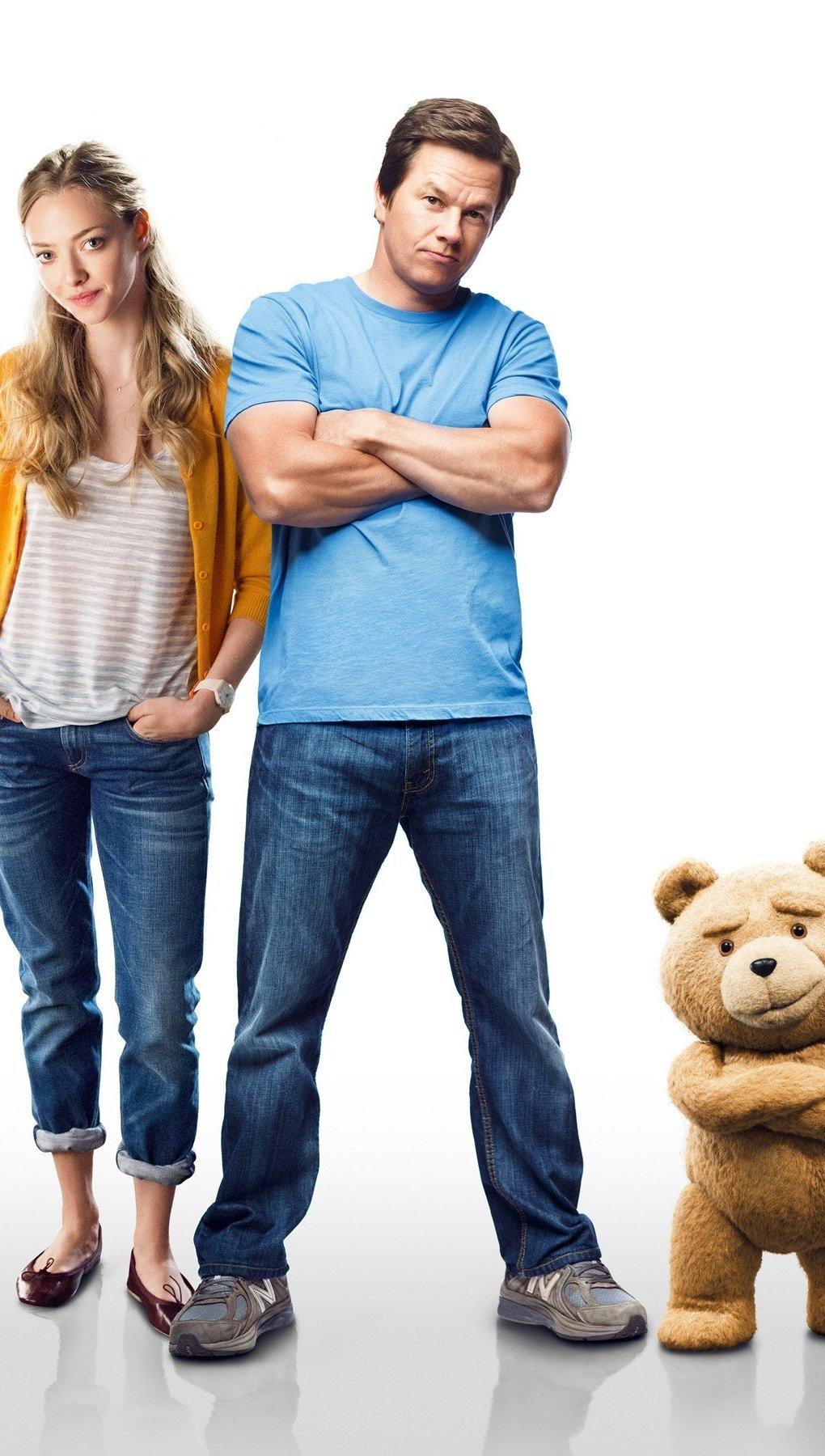 Fondos de pantalla Mark Wahlberg y Amanda Seyfried en Ted 2 Vertical