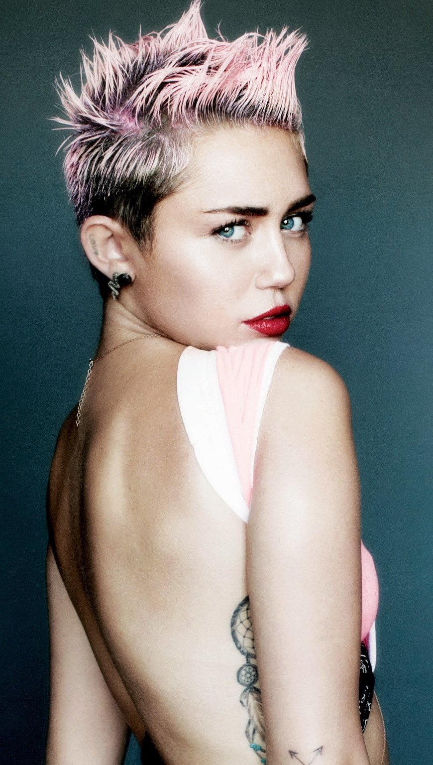 Wallpaper Miley Cyrus for V magazine Vertical