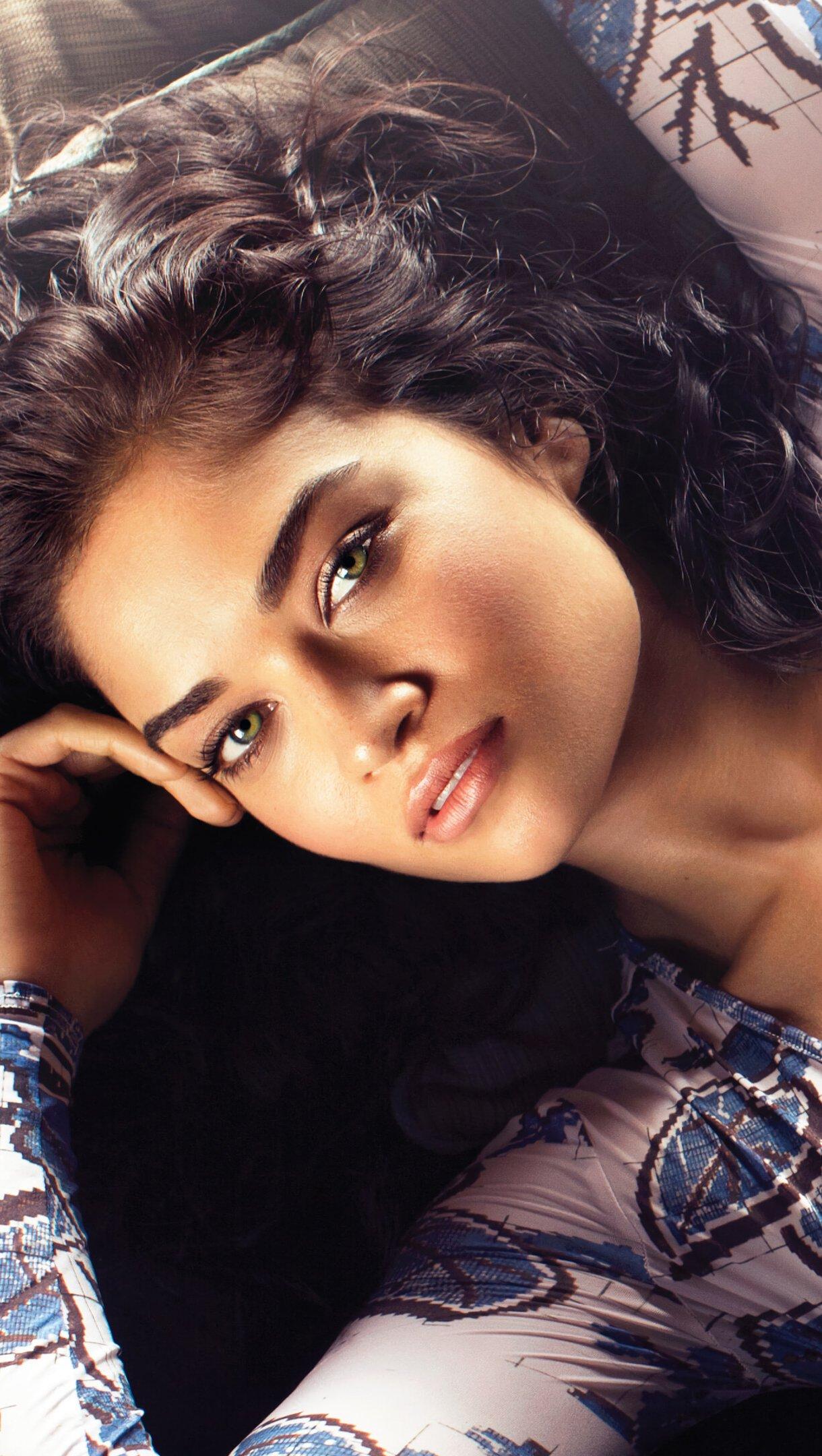 Fondos de pantalla Modelo Shanina Shaik Vertical