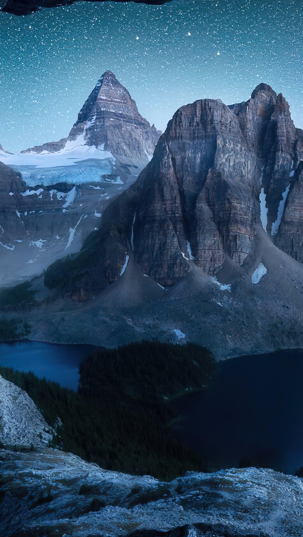 Fondos de pantalla Montañas bajo las estrellas Vertical