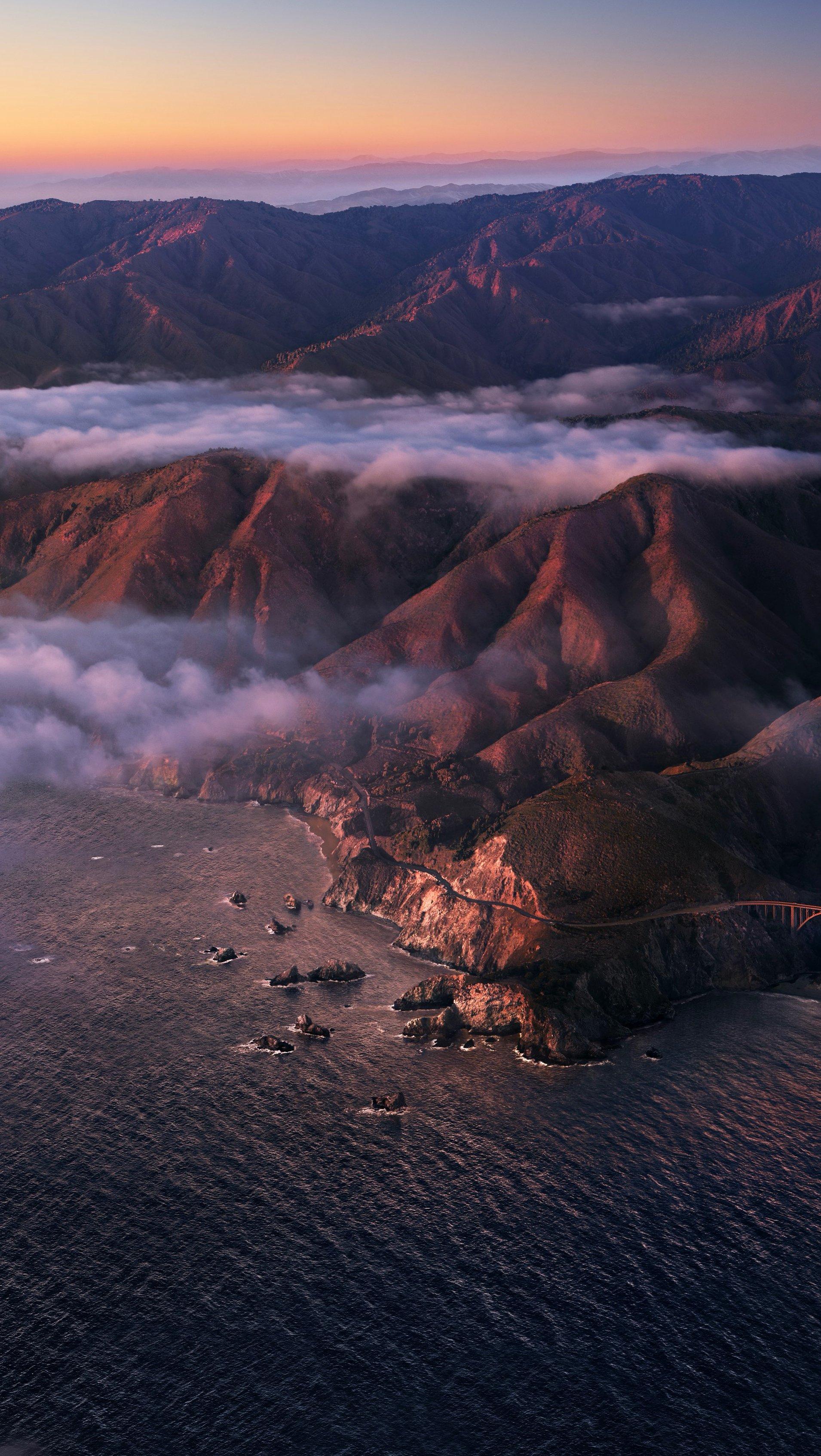 Fondos de pantalla Montañas con niebla Vertical