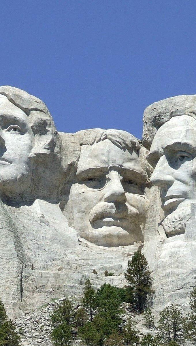 Wallpaper Mount Rushmore Vertical