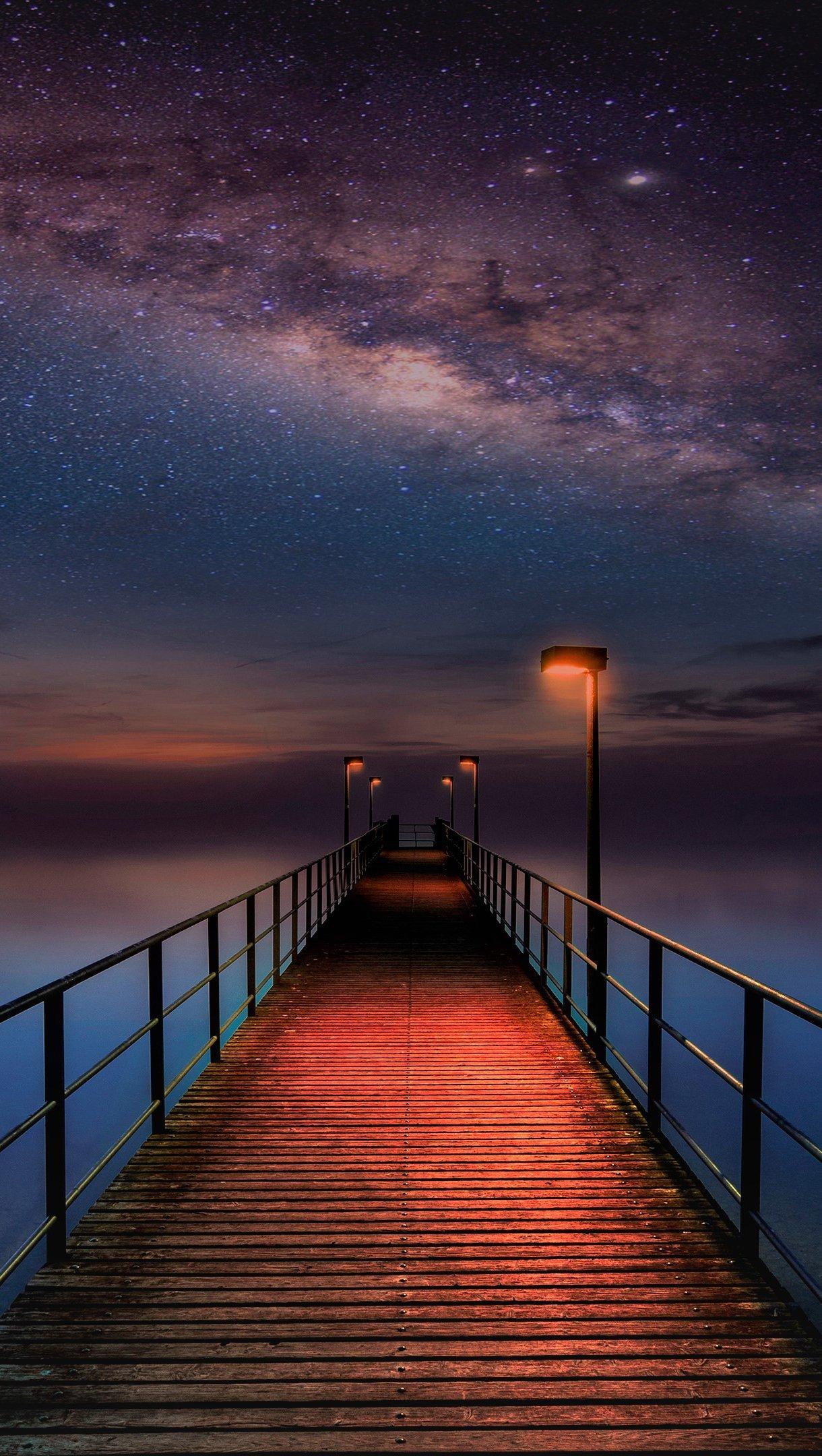 Fondos de pantalla Muelle en noche estrellada Vertical
