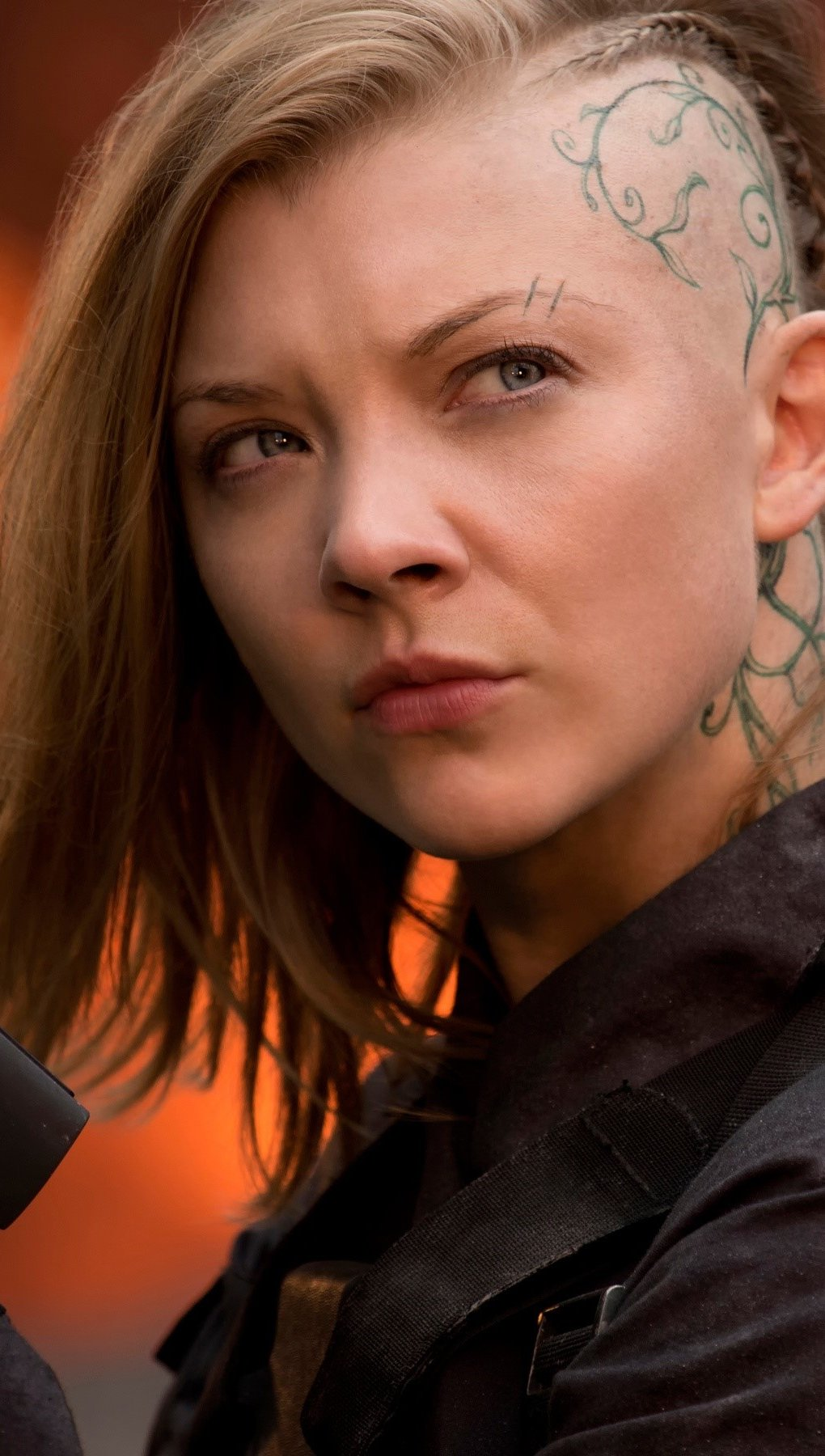 Fondos de pantalla Natalie Dormer como Cressida Vertical