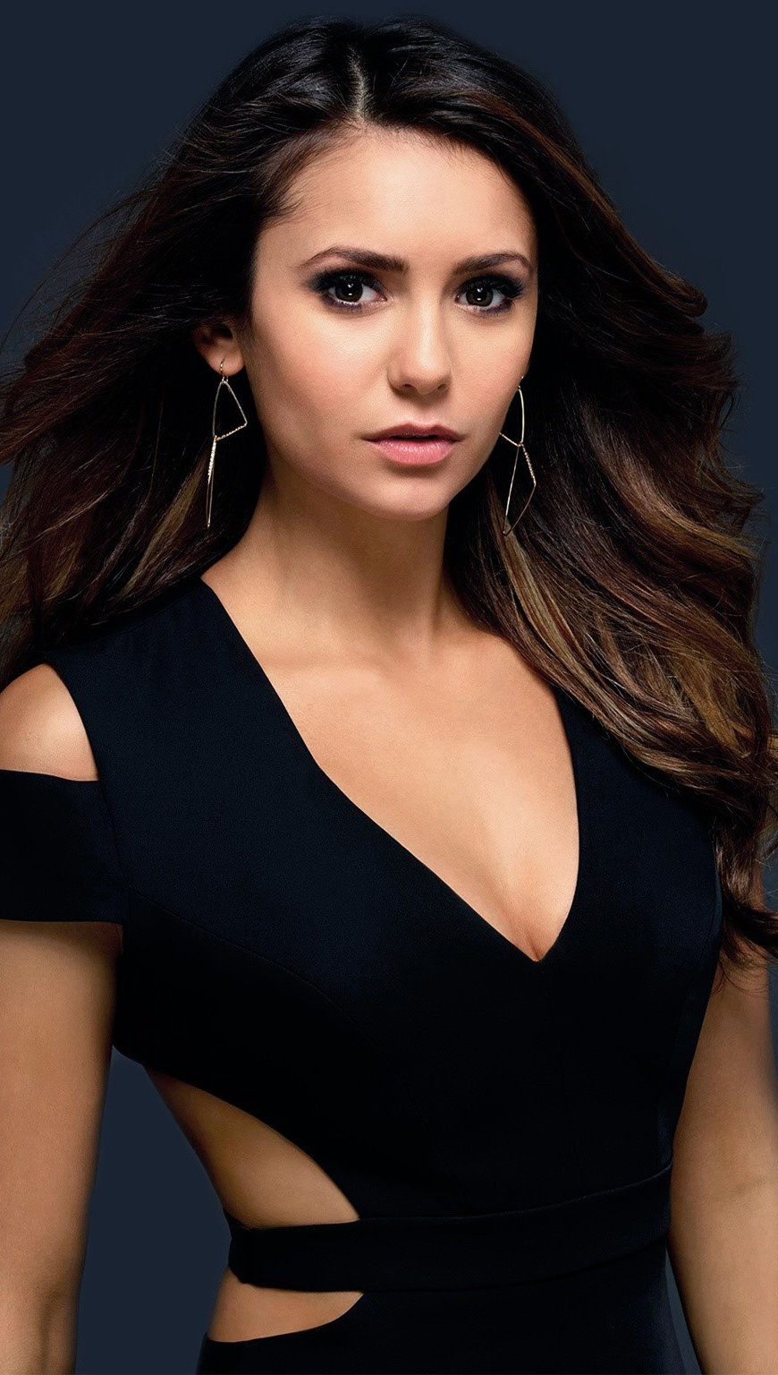 Wallpaper Nina Dobrev Vertical