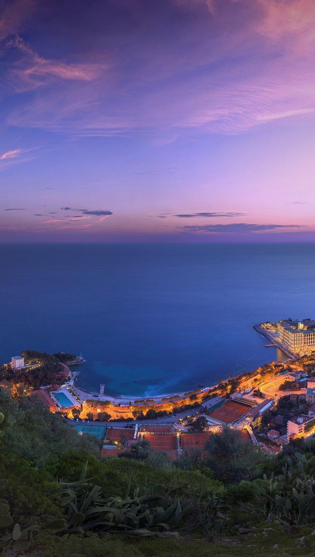 Wallpaper Pink clouds of Monaco Vertical