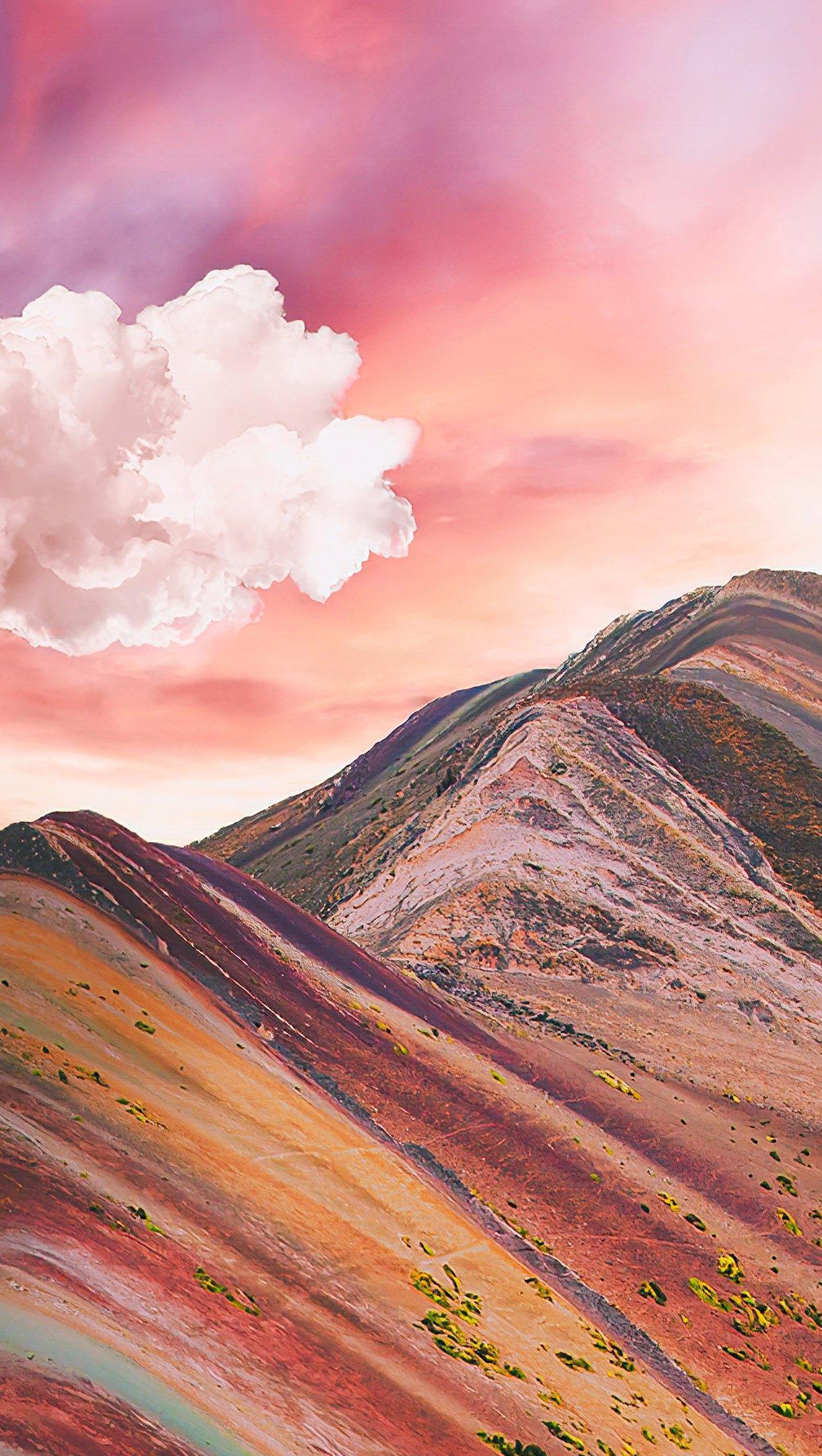 Fondos de pantalla Nubes sobre las montañas de arcoiris Vinicunca Vertical