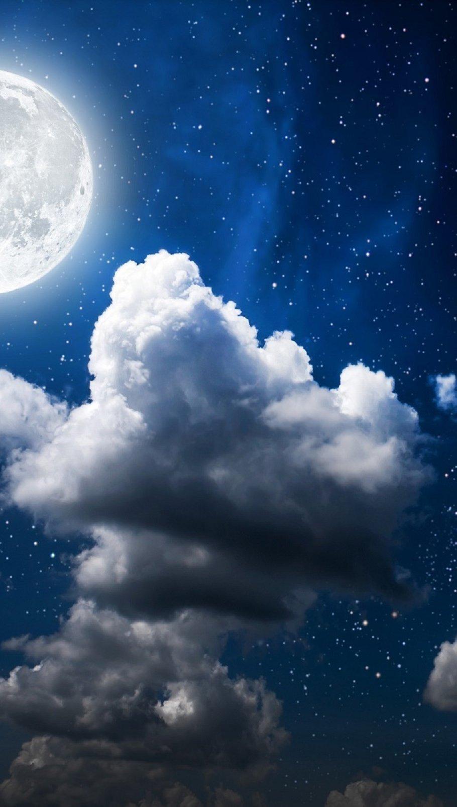 Fondos de pantalla Nubes y la luna de noche Vertical