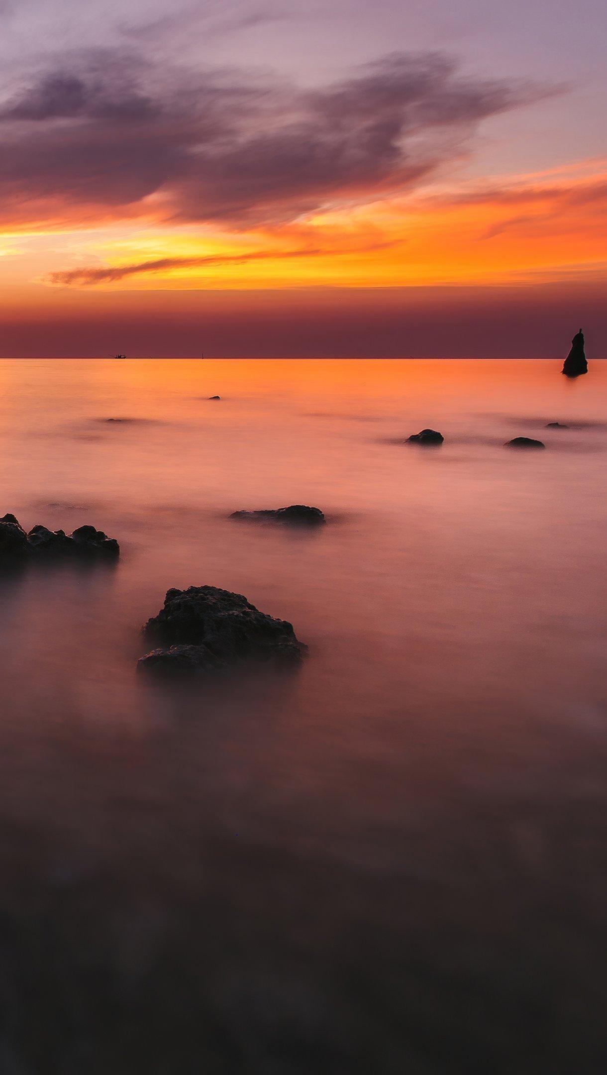 Wallpaper Silent ocean sunset Vertical