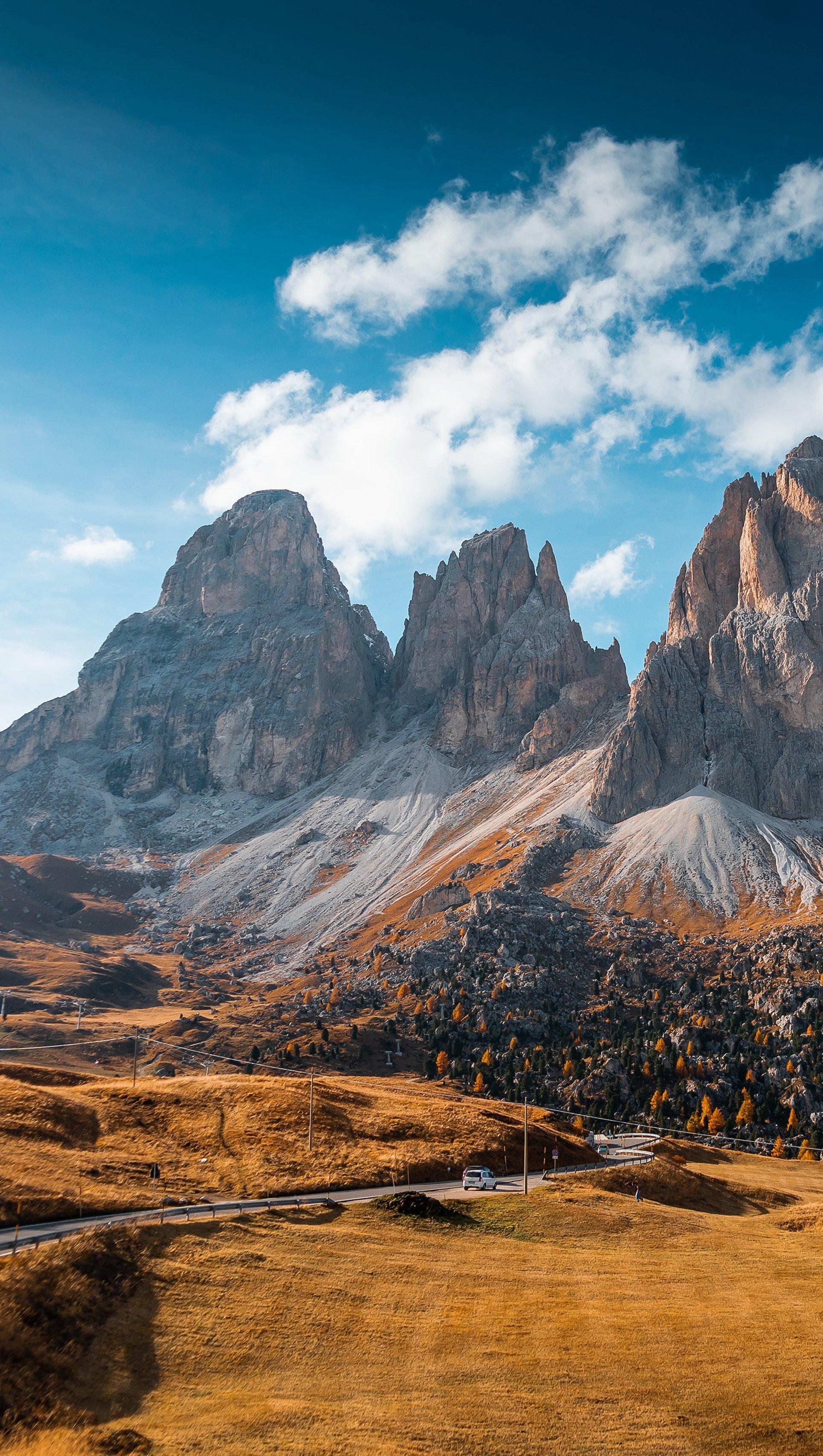 Fondos de pantalla Otoño en las montañas de Italia Vertical