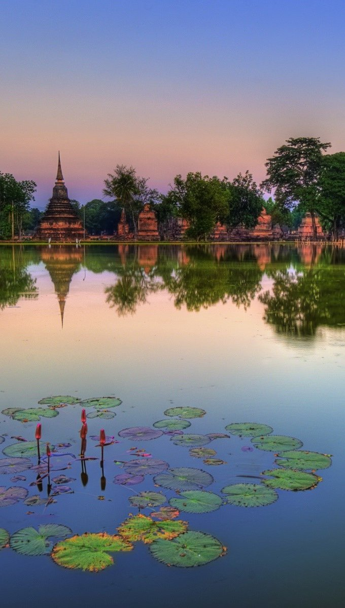 Wallpaper Sukhothai Historical Park in Thailand Vertical