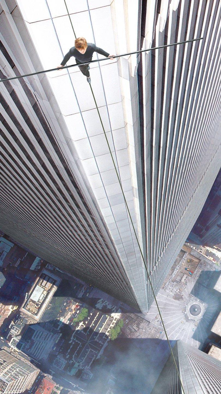 Wallpaper Movie The Walk Vertical