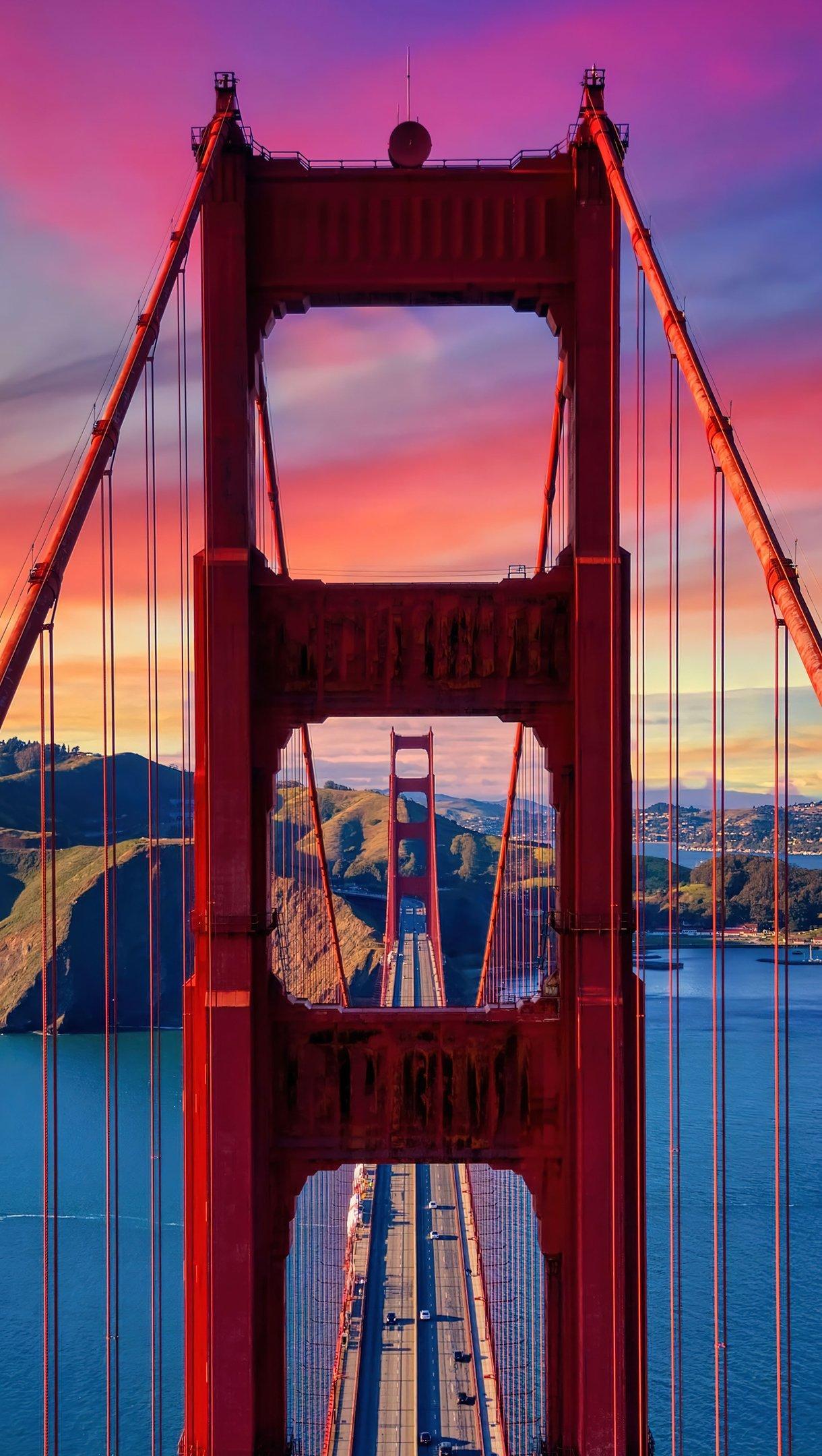 Wallpaper Golden Gate Bridge at sunset Vertical