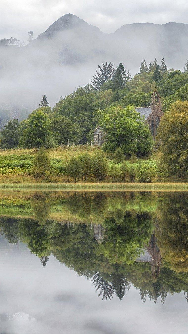 Fondos de pantalla Reflejos en un lago Vertical