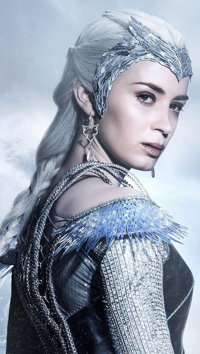 Wallpaper Ice queen Vertical