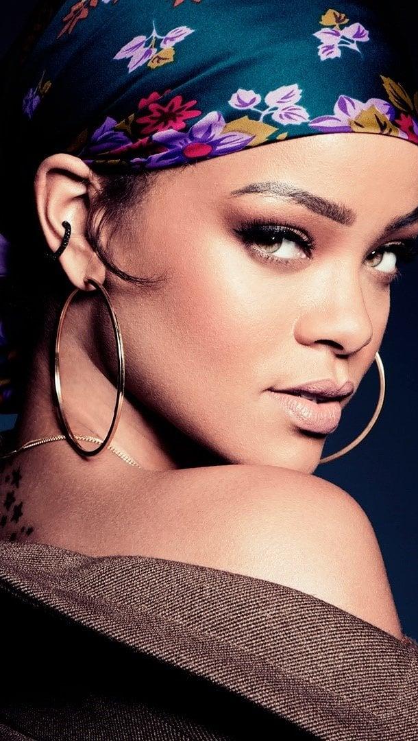 Fondos de pantalla Rihanna en 2015 Vertical