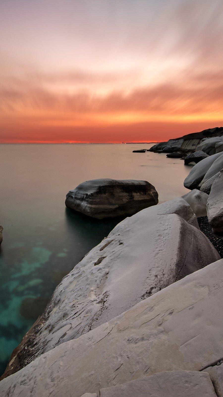 Fondos de pantalla Rocas blancas en la costa Vertical