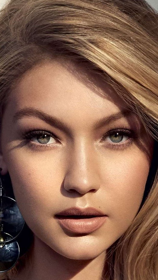Wallpaper Face of Gigi Hadid Vertical