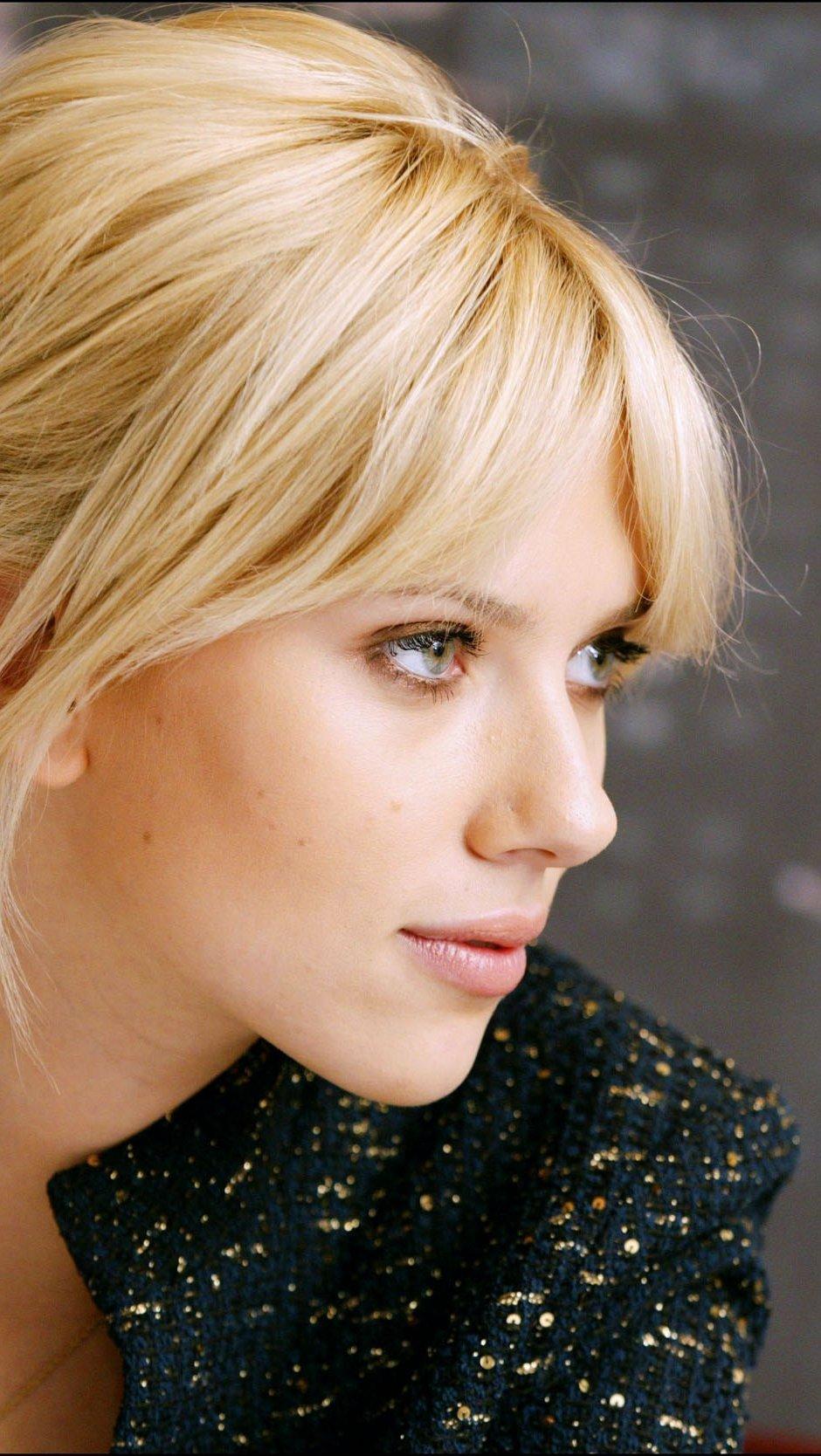 Wallpaper Scarlett Johansson Vertical