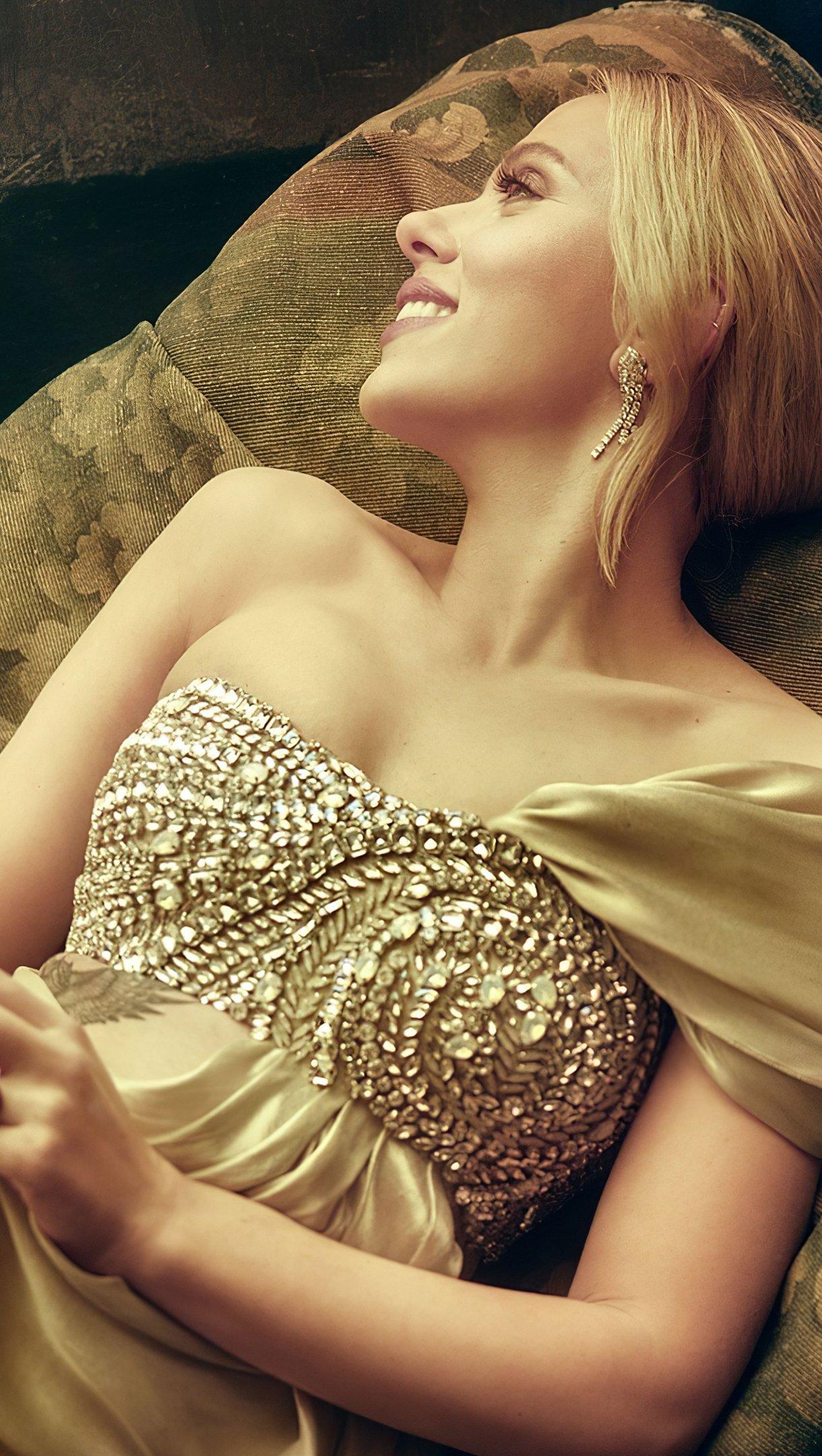 Wallpaper Scarlett Johansson for Vanity Fair Vertical