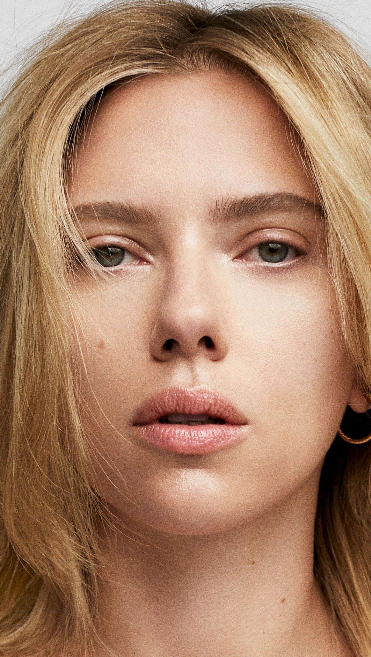 Wallpaper Scarlett Johansson with no make up Vertical