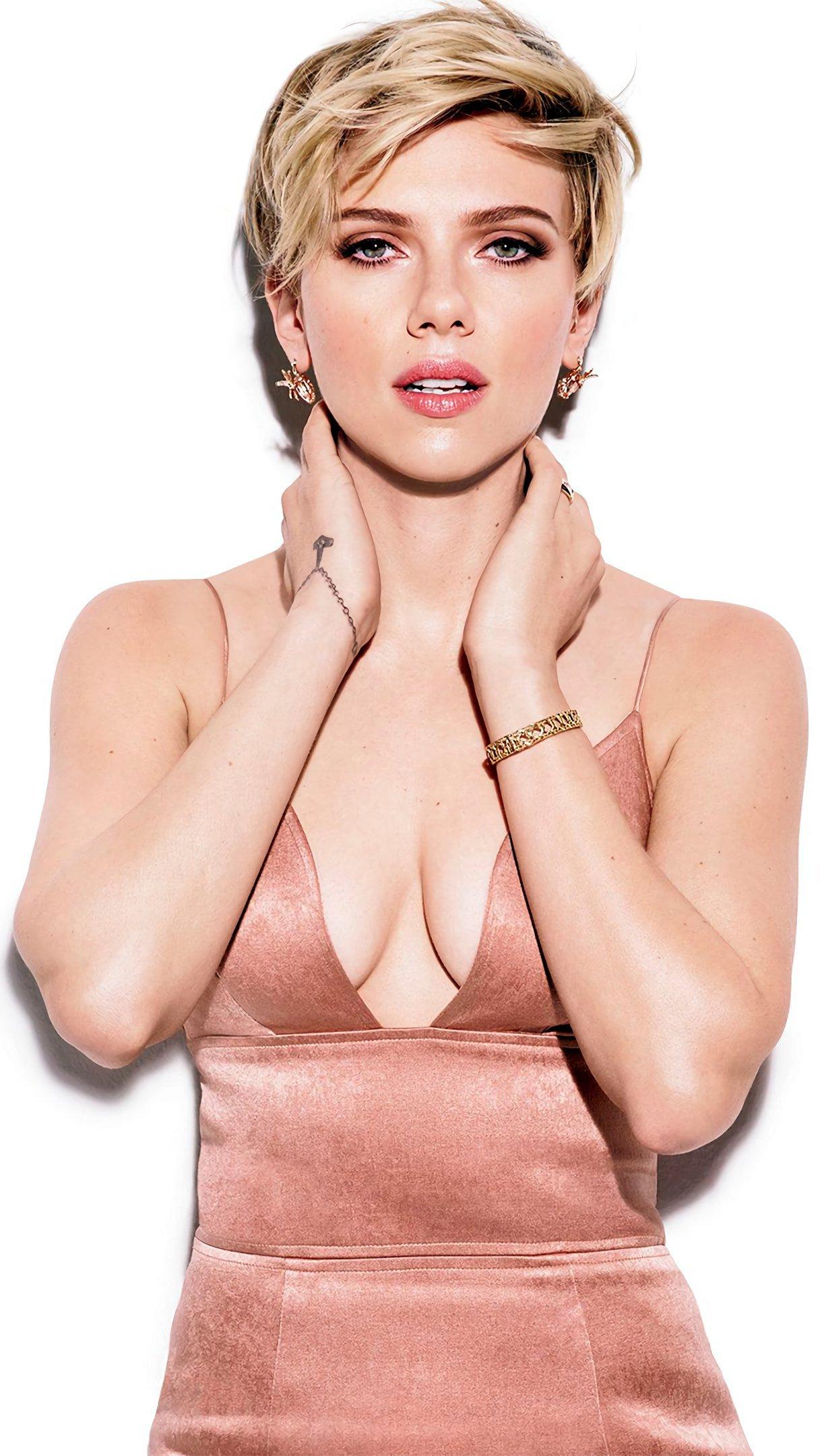 Wallpaper Scarlett Johansson pink dress Vertical