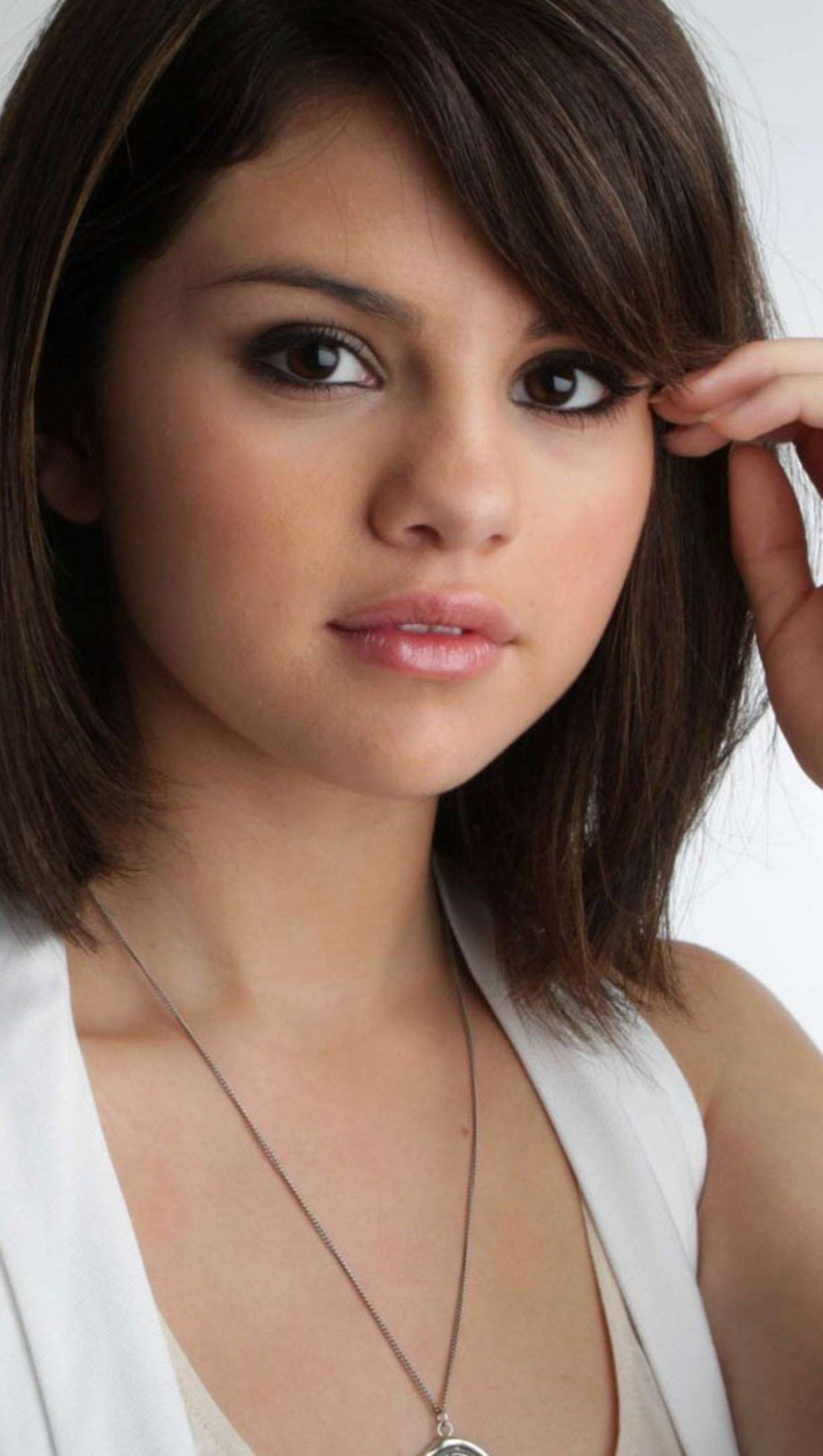 Fondos de pantalla Selena Gomez Vertical