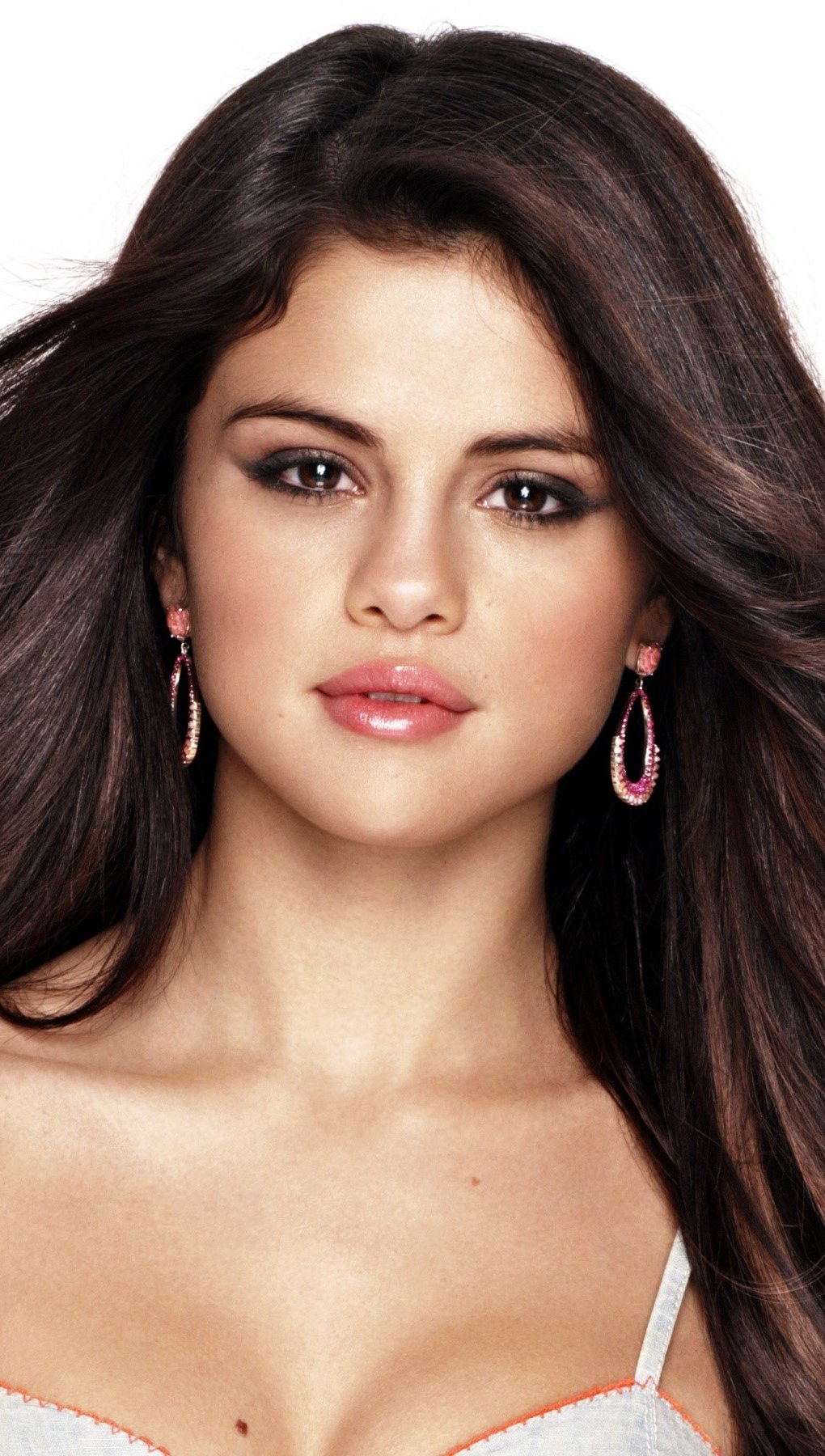 Wallpaper Selena Gomez with straight hair Vertical