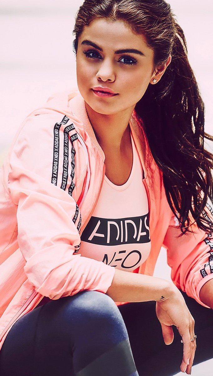 Wallpaper Selena Gomez with sports clothes Vertical