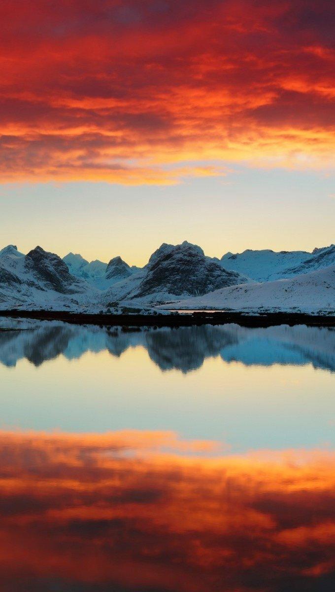 Wallpaper Selfjord reflections Vertical
