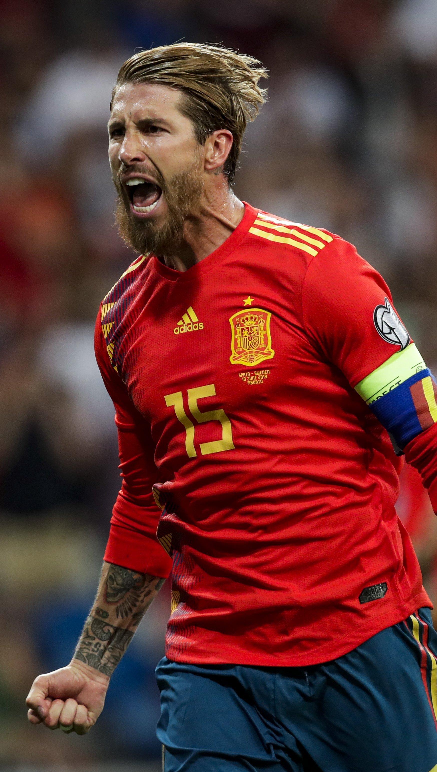 Fondos de pantalla Sergio Ramos en la Selección Española Vertical