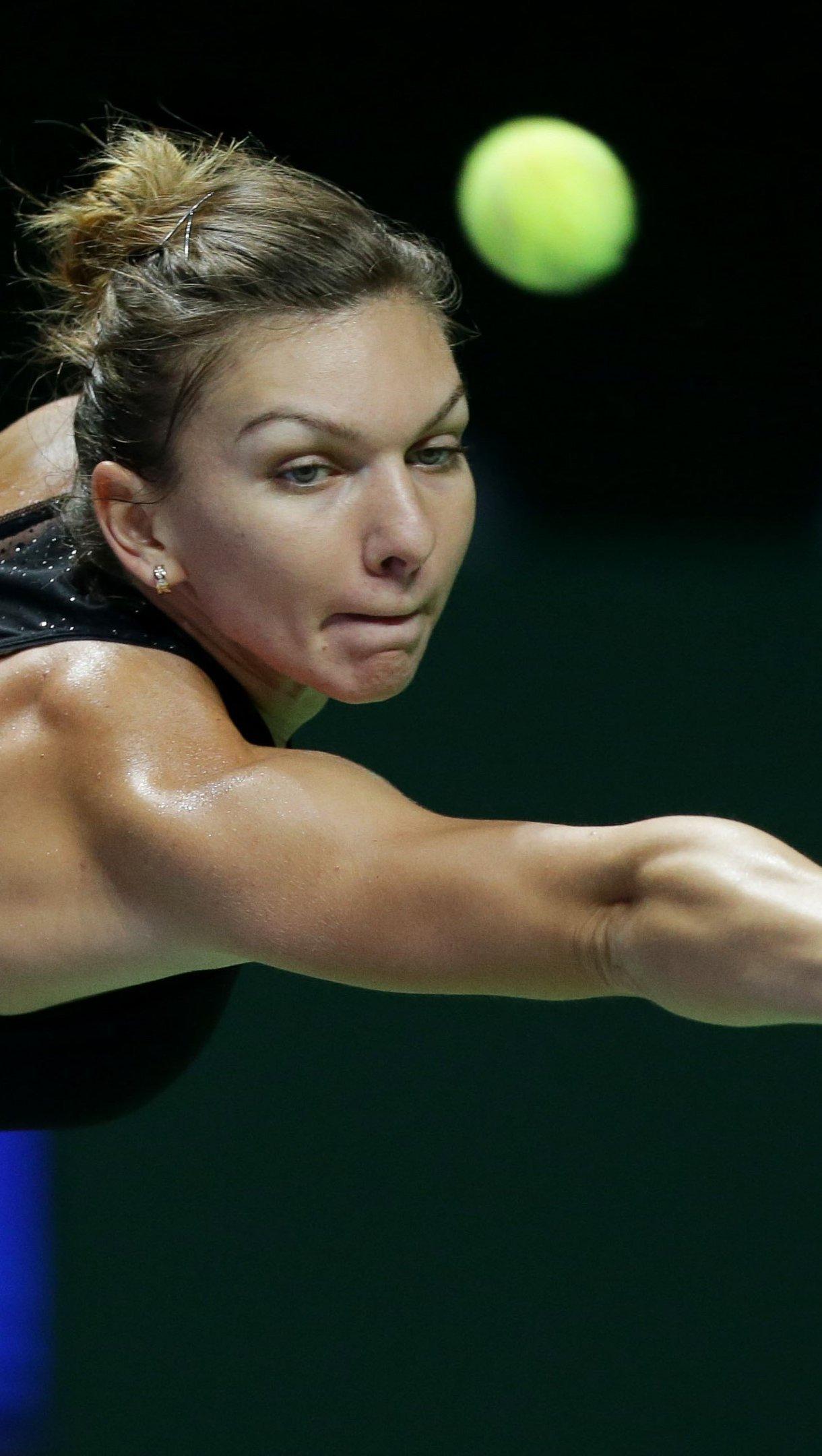Wallpaper Simona Halep playing tennis Vertical