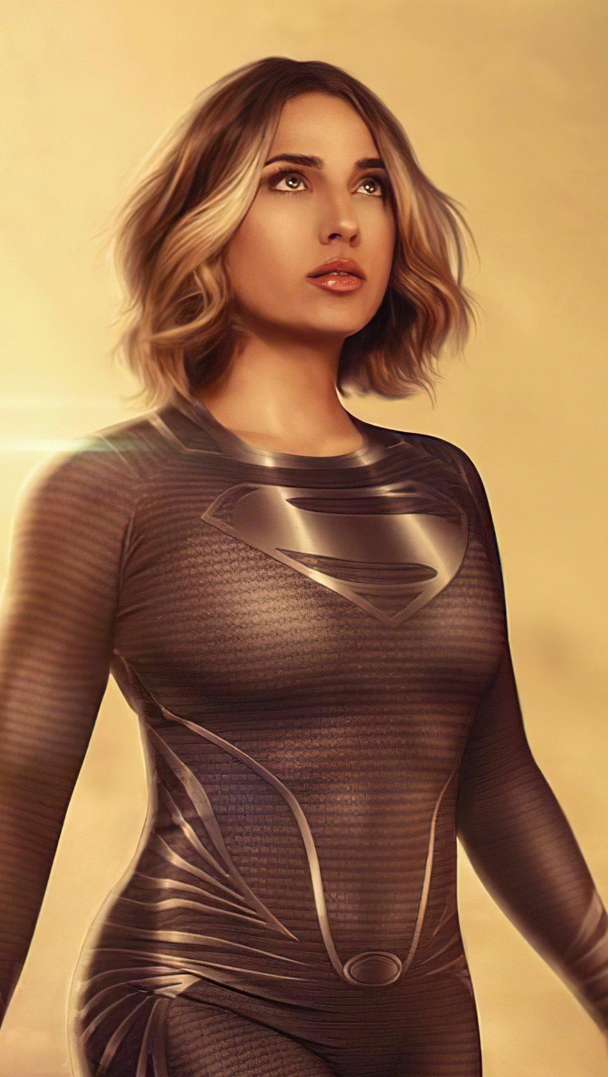 Fondos de pantalla Supergirl con traje negro Cosplay Vertical