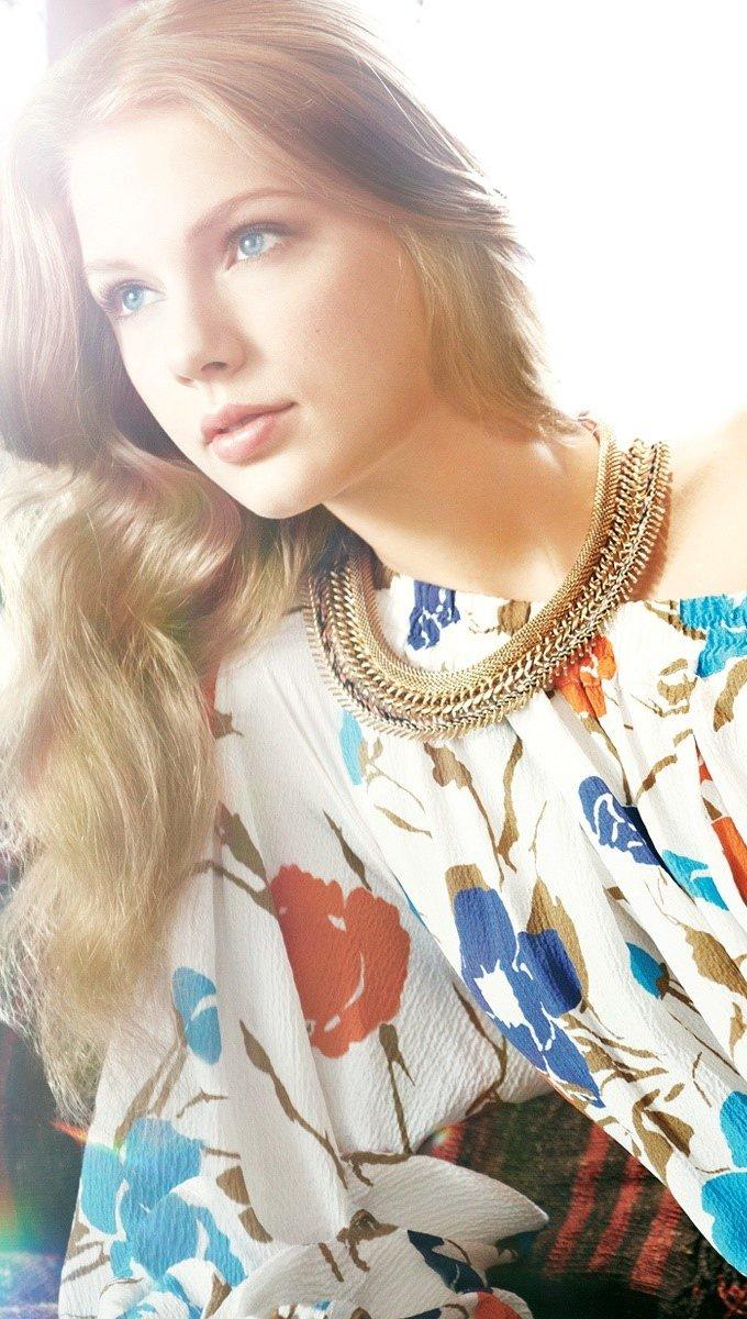 Wallpaper Taylor Swift Vertical