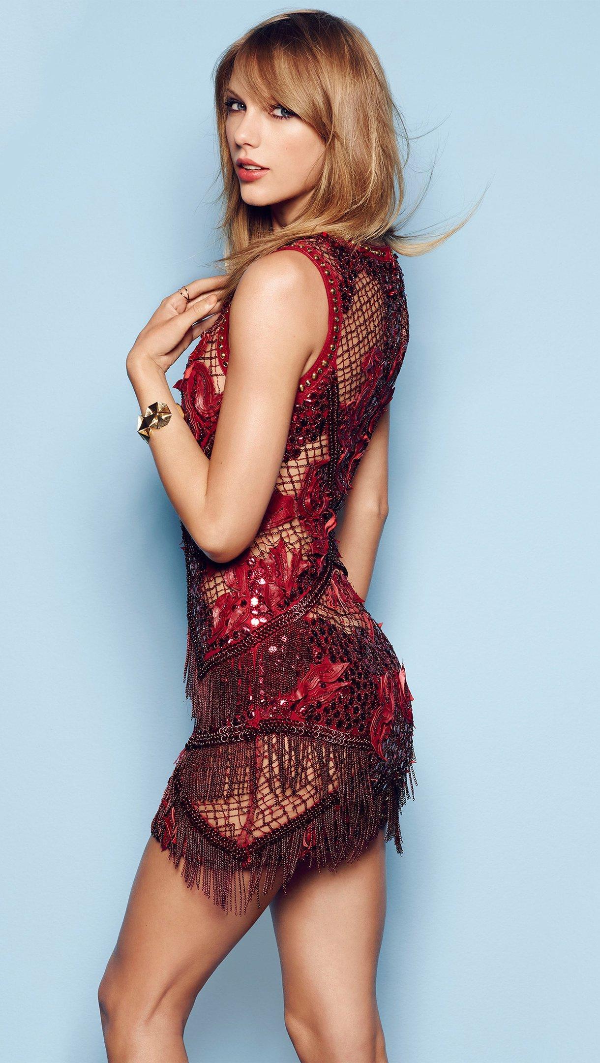 Wallpaper Taylor Swift for Cosmopolitan Vertical