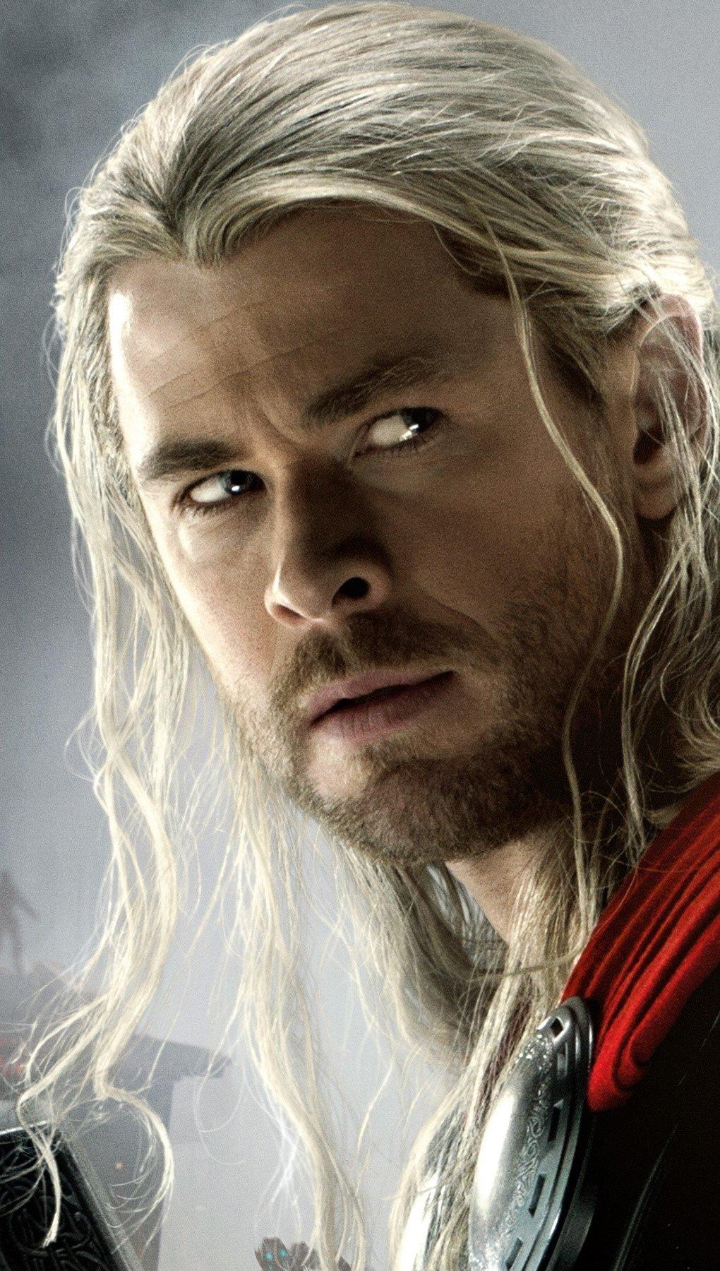Wallpaper Thor in Avengers Vertical
