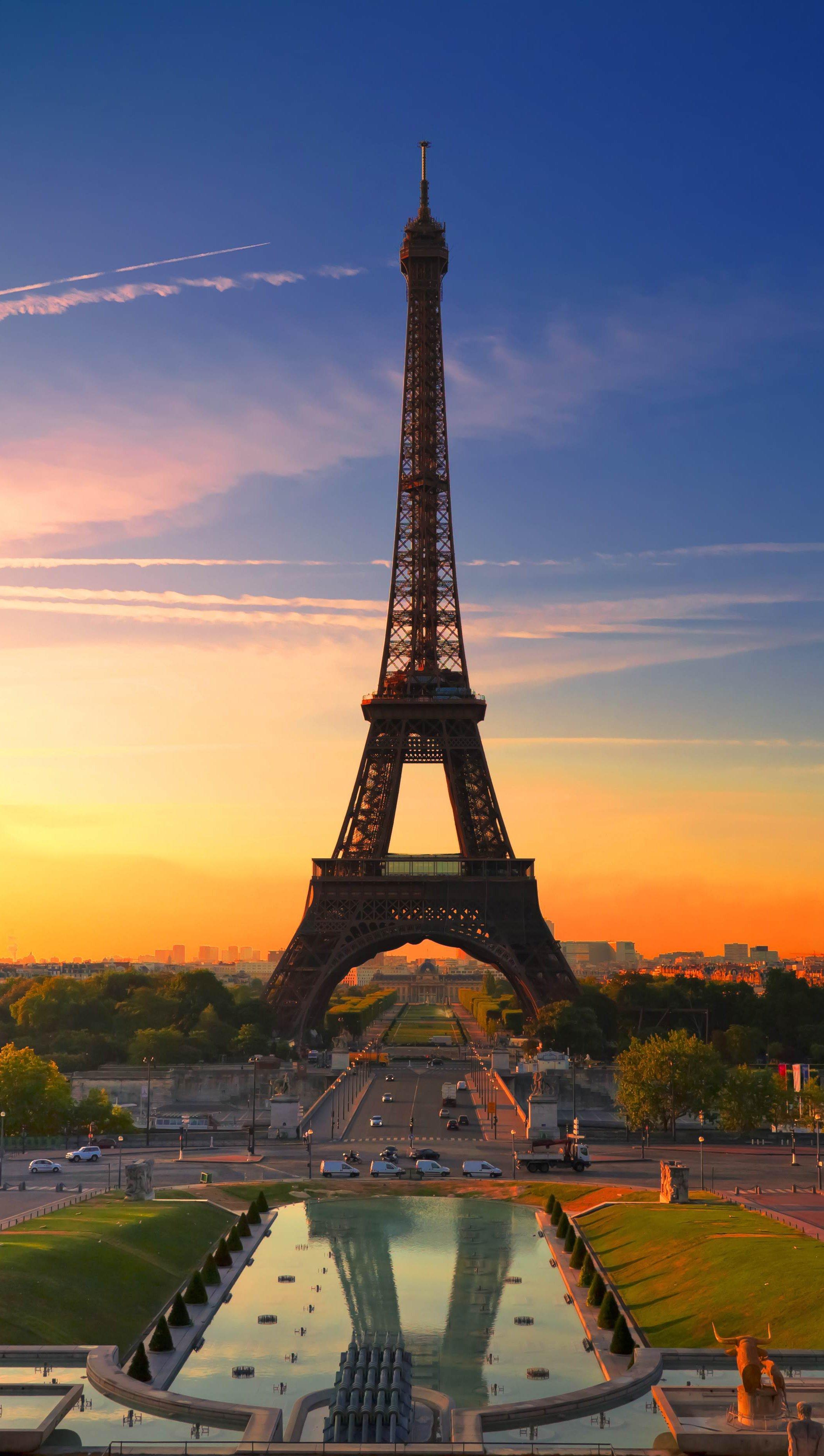 Wallpaper Eiffel Tower in Paris during suset Vertical