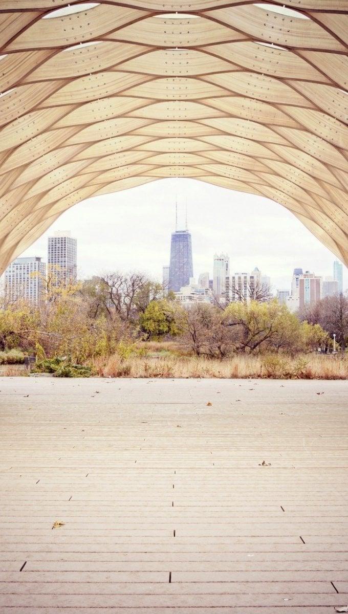 Fondos de pantalla Tunel con bosque y ciudad Vertical