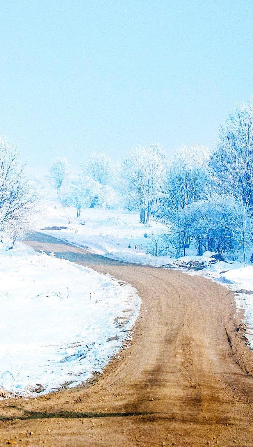 Fondos de pantalla Un camino de nieve Vertical