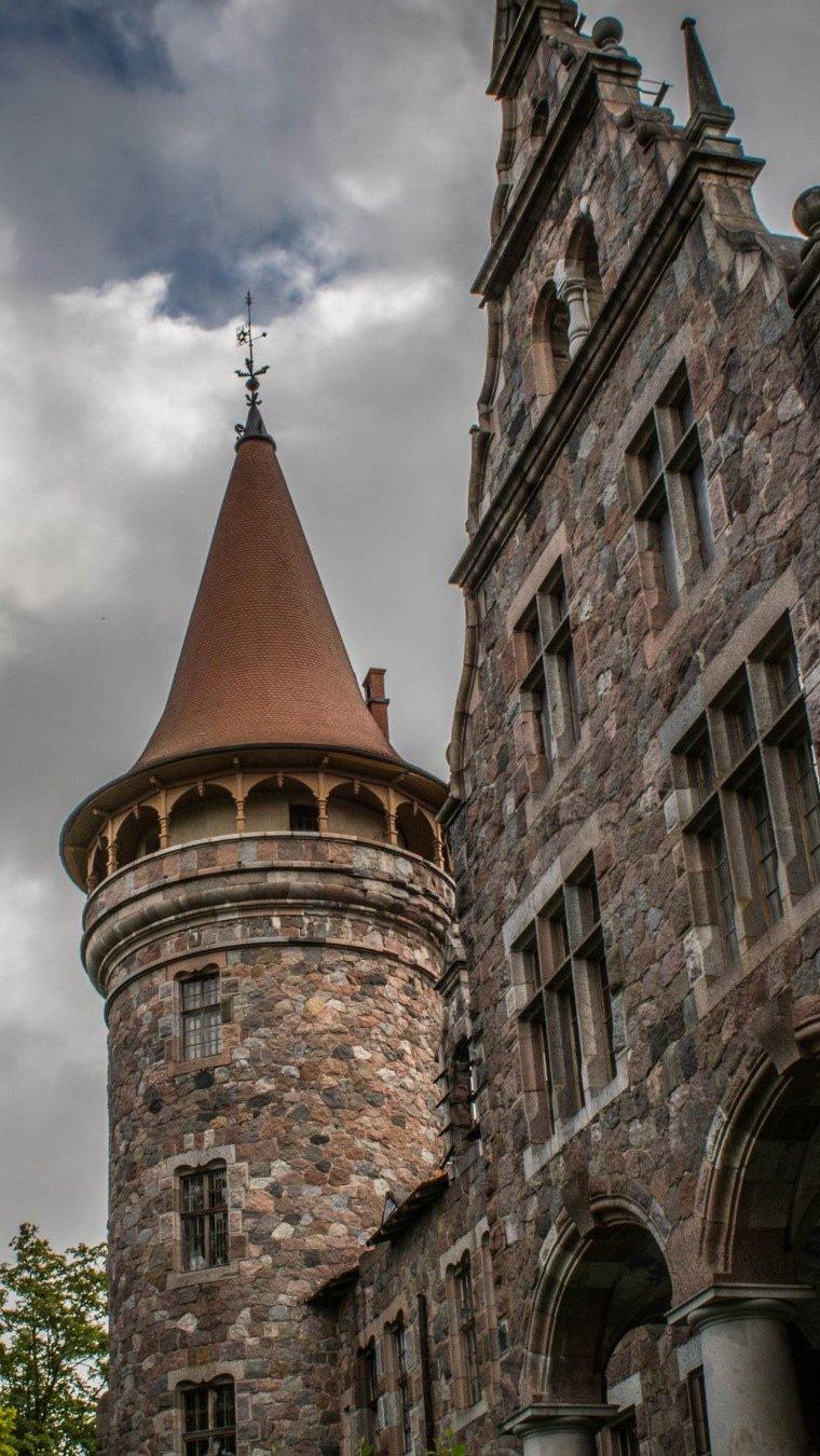 Wallpaper A castle Vertical