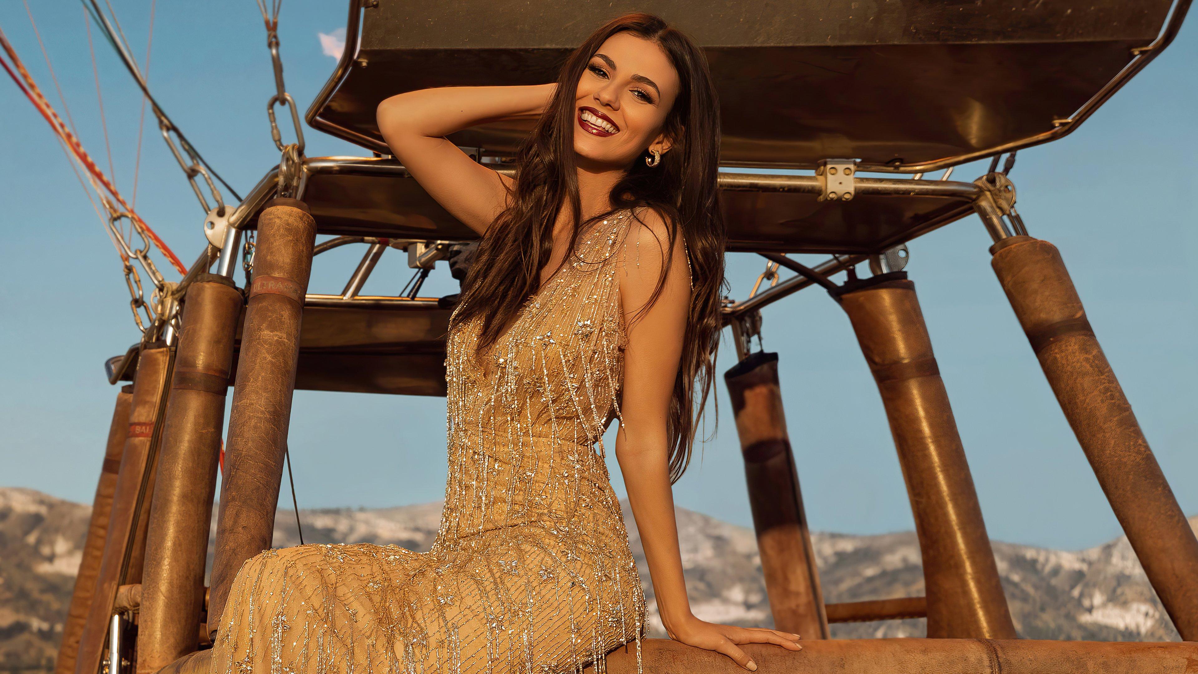 Fondos de pantalla Victoria Justice Revista Modeliste