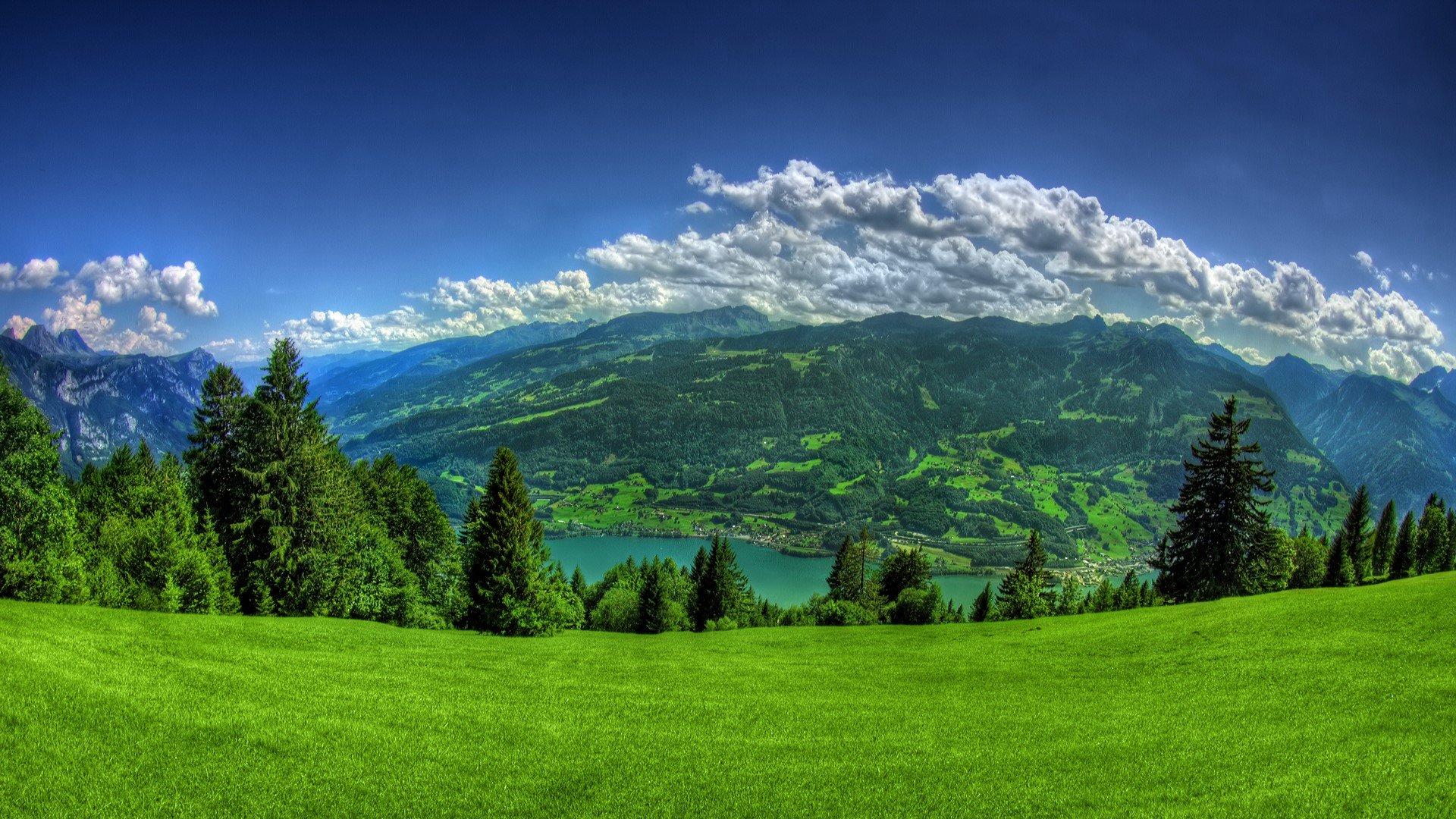 Fondos de pantalla Vista a montaña y a las nubes