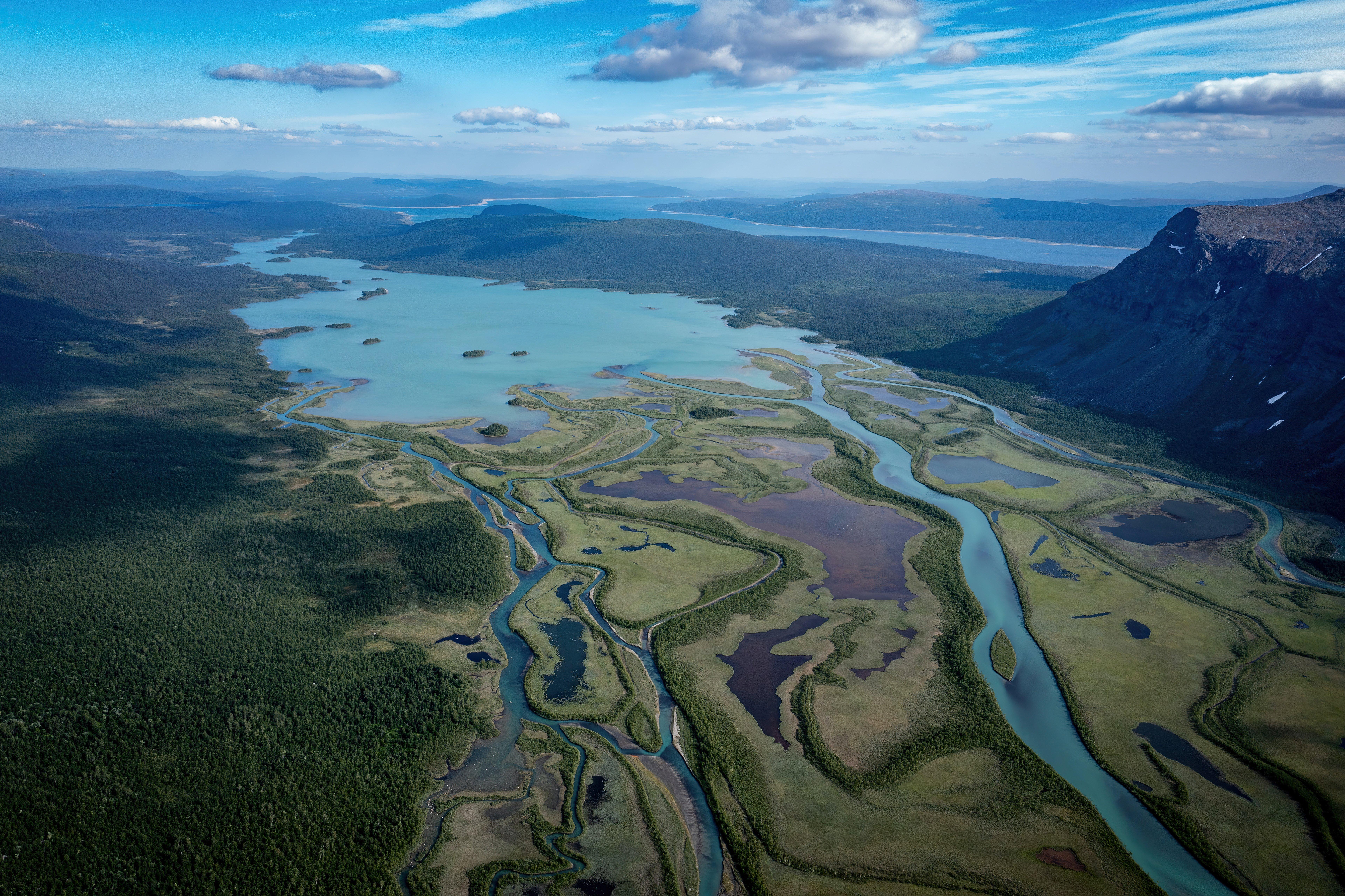 Fondos de pantalla Vista aerea de montañas verdes