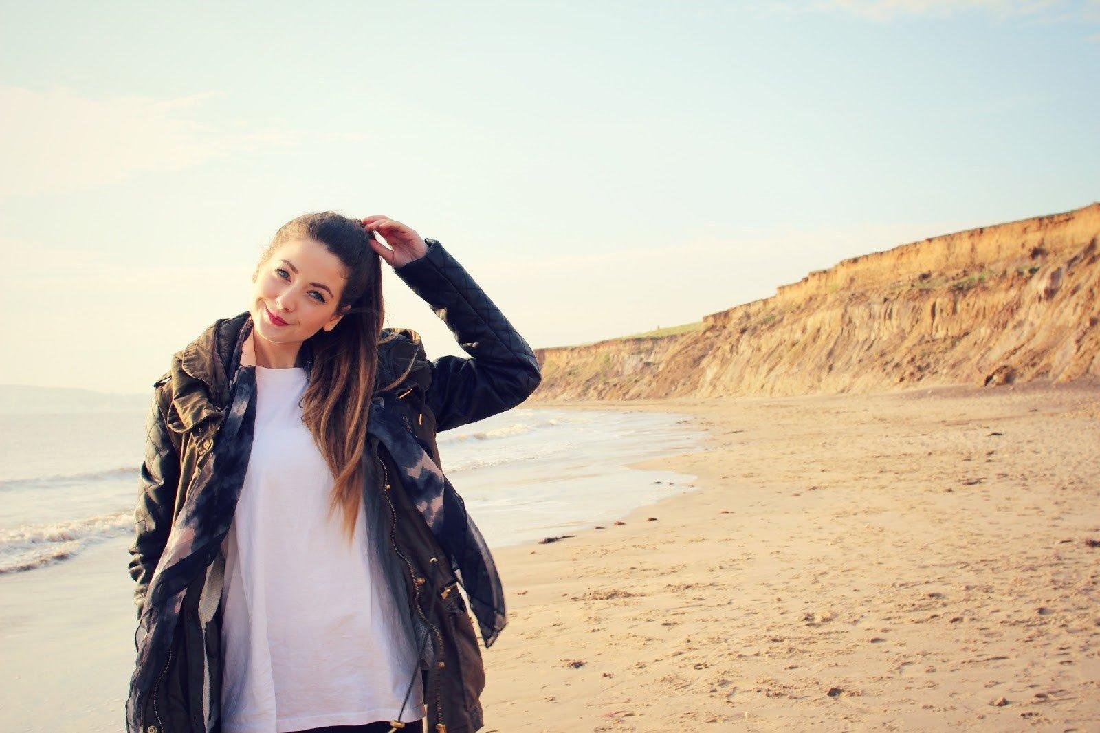 Wallpaper Zoella en la playa